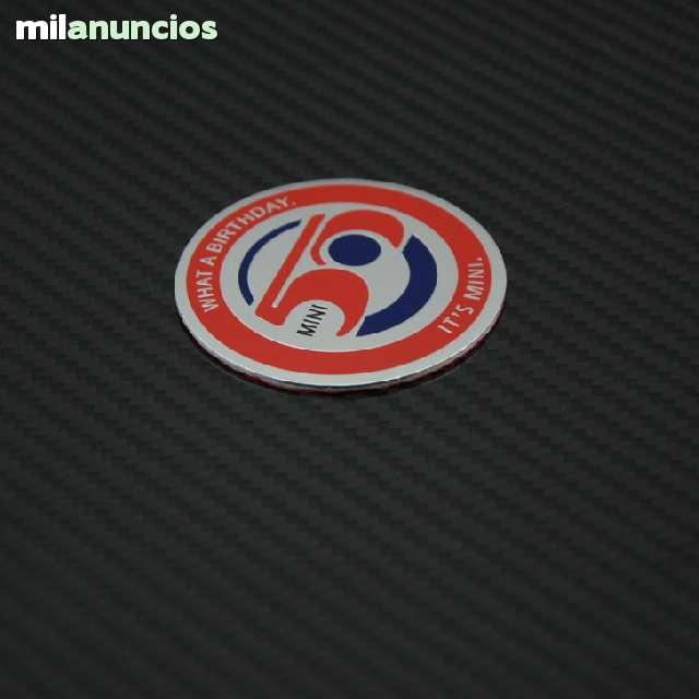 EMBLEMA MINI EDICION 50 ANIVERSARIO - foto 1