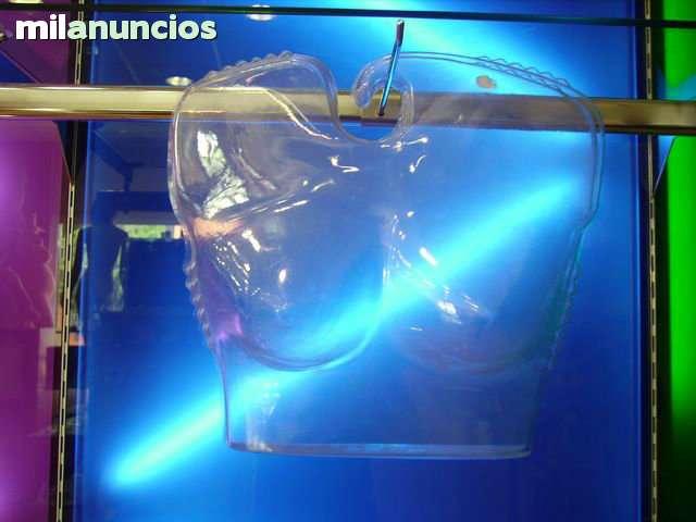 SILUETAS PLASTICO BAÑO - foto 2