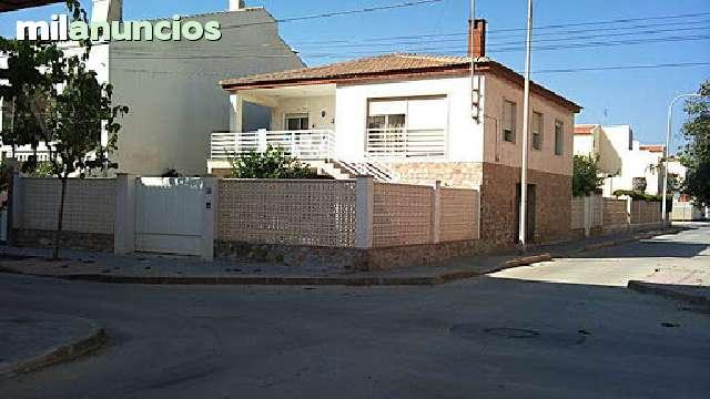 CHALET EN ESQUINA CON VISTAS AL MAR !! - foto 1