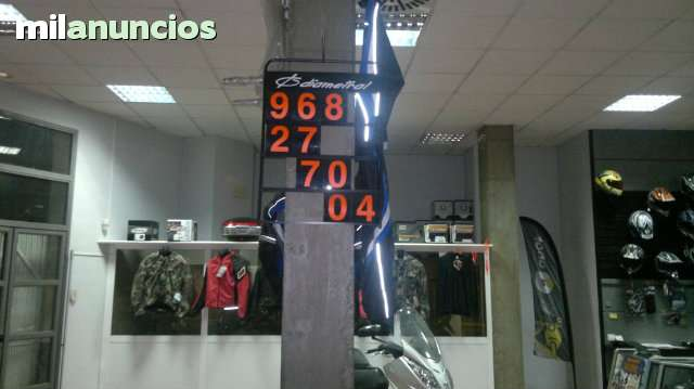 DESPIECE PLASTICA DE CBR 600 RR 2005 - foto 2