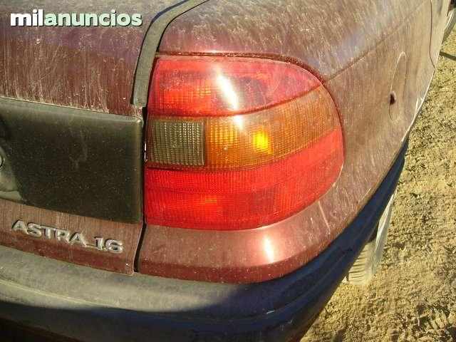 PILOTOS TRASERO DE OPEL ASTRA DEL 97 - foto 1