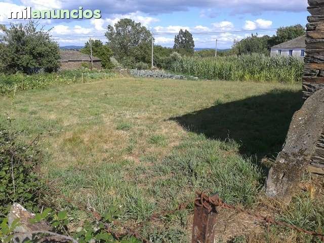 CASA CON FINCA DE 500M2 EN CUIÑA - foto 5