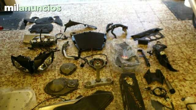 HONDA CBR 1000RR DEL 2009 PARA DESPIECE - foto 2