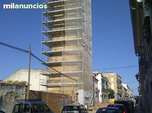 ANDAMIOS/ ESCENARIOS/ PASARELAS/ - foto 2