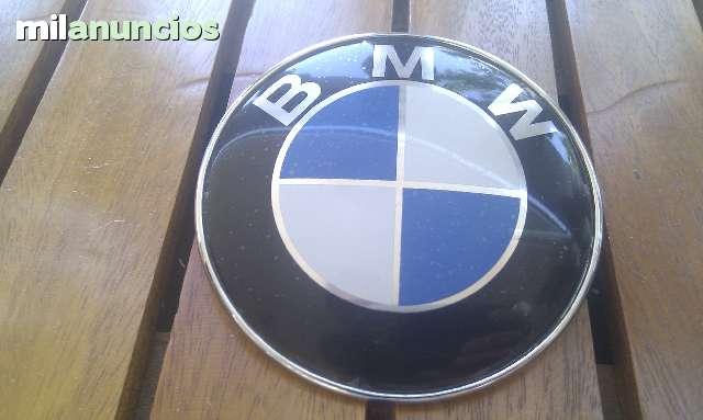 EMBLEMA FRONTAL Y TRASERO BMW ORIGINAL - foto 1