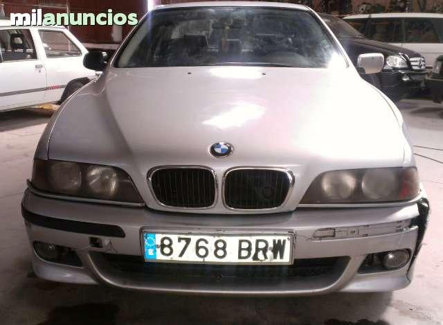 BMW - 530D AUT.  PACK M5 - foto 2