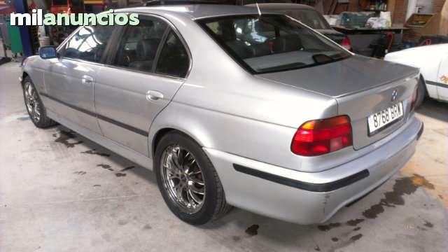 BMW - 530D AUT.  PACK M5 - foto 4