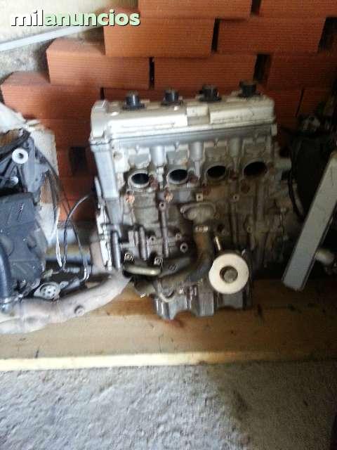 MOTOR YAMAHA IZF   R6 99 00  01  02 - foto 1
