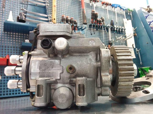 BOMBA INYECTORA BOSCH VP44 AUDI A6,  2. 5 - foto 4