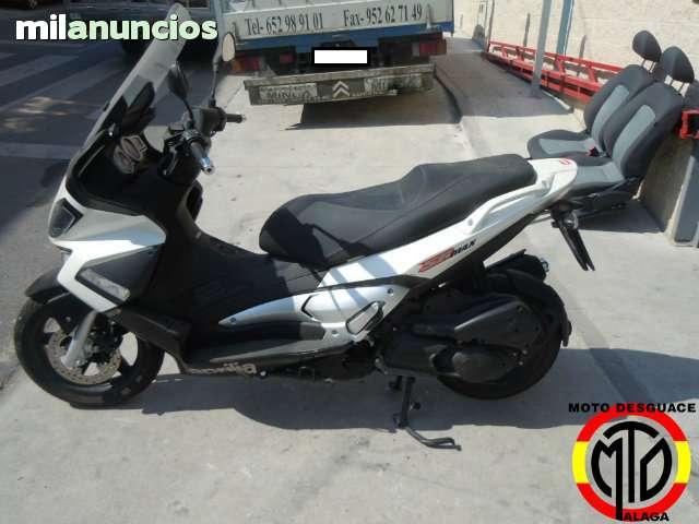 APRILIA SR MAX 125 2012 - foto 1