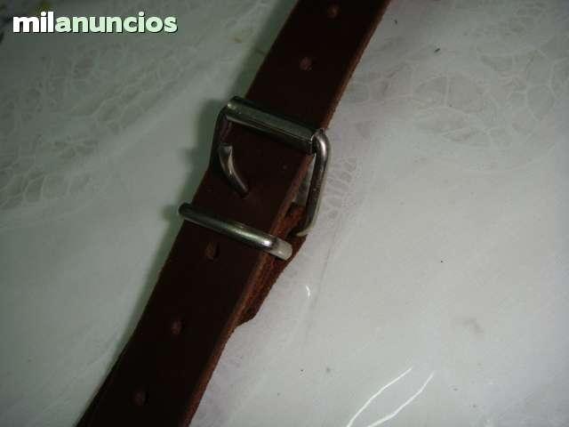 CORREA RUEDA DE REPUESTO SEAT 600 - foto 3