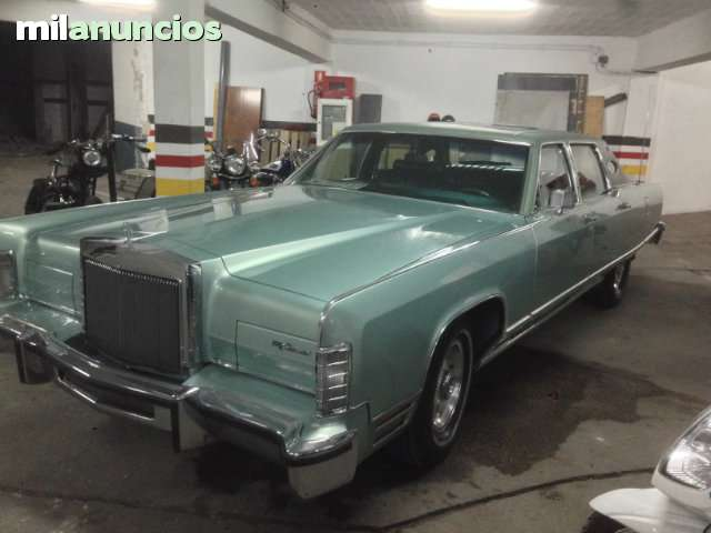 FORD - LINCOLN CONTINENTAL TOWN CAR - foto 1