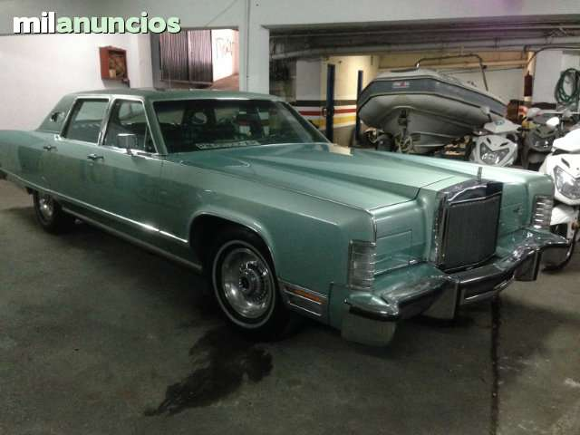 FORD - LINCOLN CONTINENTAL TOWN CAR - foto 2