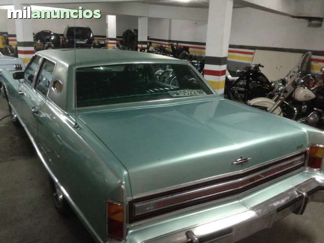 FORD - LINCOLN CONTINENTAL TOWN CAR - foto 4