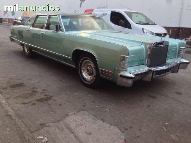 FORD - LINCOLN CONTINENTAL TOWN CAR - foto 8
