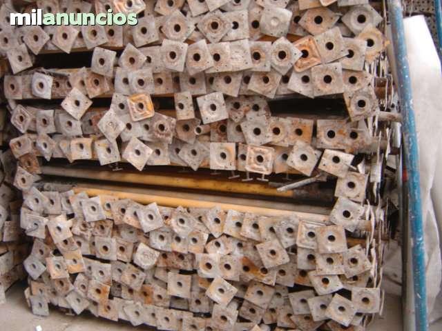 TABLERO DE ENCOFRADO,  PUNTALES Y PANELES - foto 2