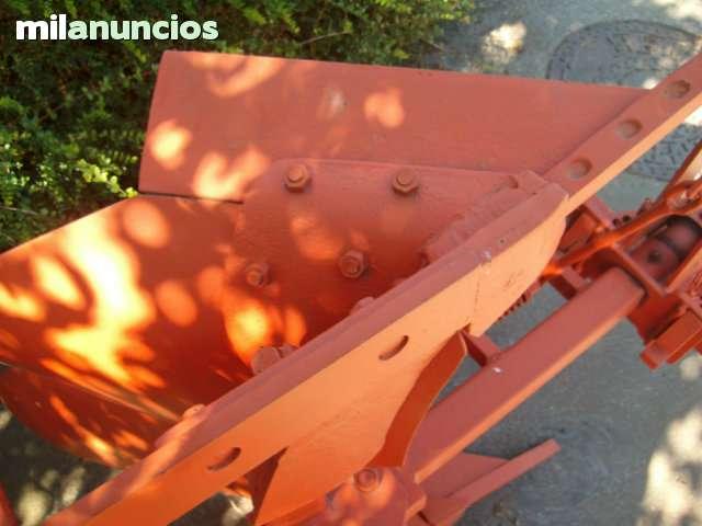 ARADO MONOSURCO - foto 2