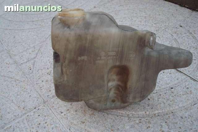 BOTELLA LIMPIA PARABRISAS AUDI A4 - foto 1