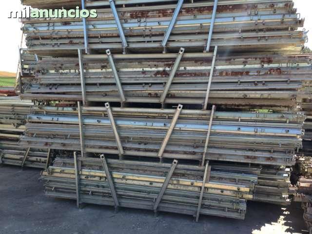 TABLERO DE ENCOFRADO,  PUNTALES Y PANELES - foto 4