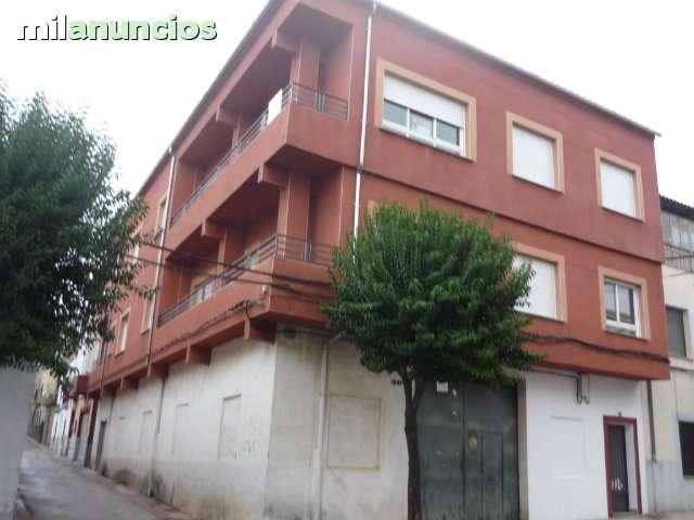 PISO Y EDIFICIO REFORMADO - foto 2