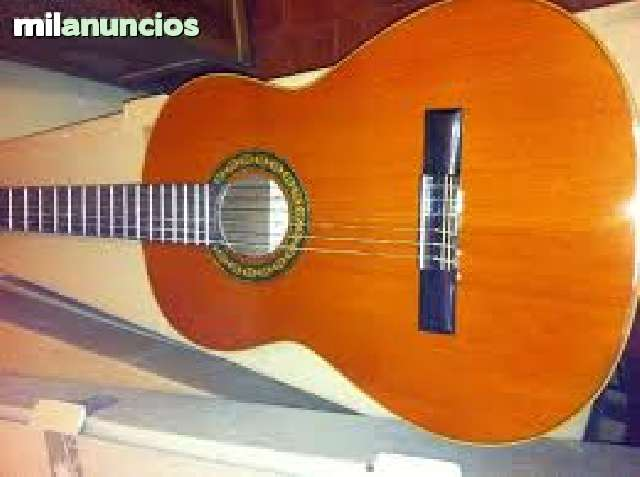 VENDO GUITARRA CLASICA ARTESANA * NUEVA *