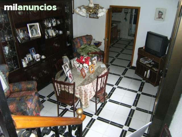 CASA EN LA ZONA FUENTE DE LOS LEONES - foto 2