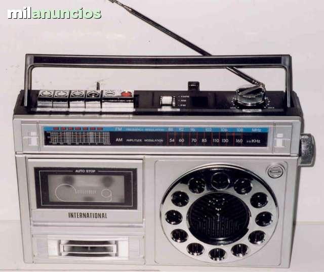 RADIO CASETTE VINTAGE - foto 1