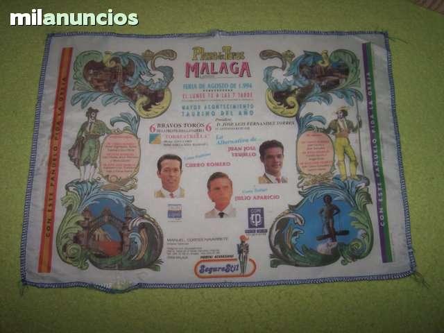 LOTE DE CARTELES DE TOROS DE TELA - foto 1