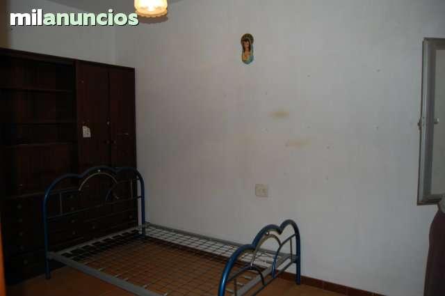 PISO CON LOCAL COMERCIAL - foto 3