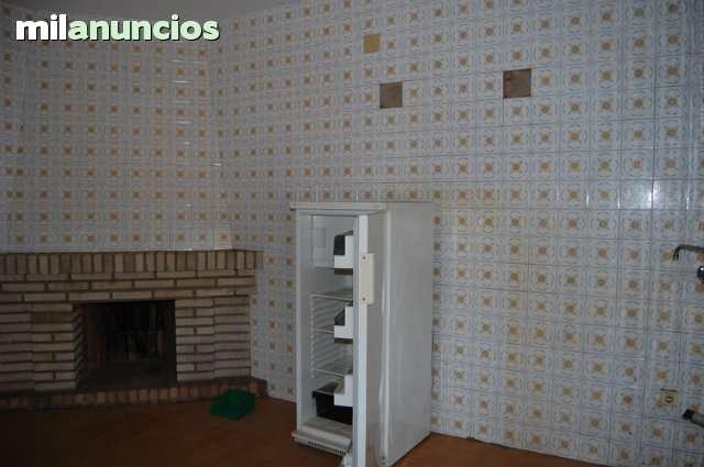 PISO CON LOCAL COMERCIAL - foto 4