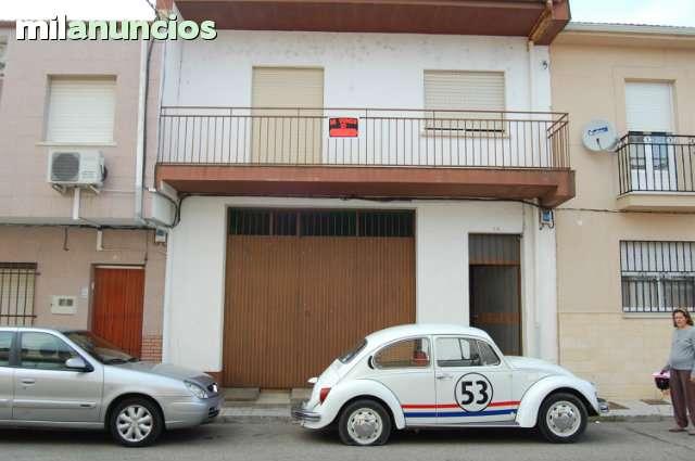 PISO CON LOCAL COMERCIAL - foto 8
