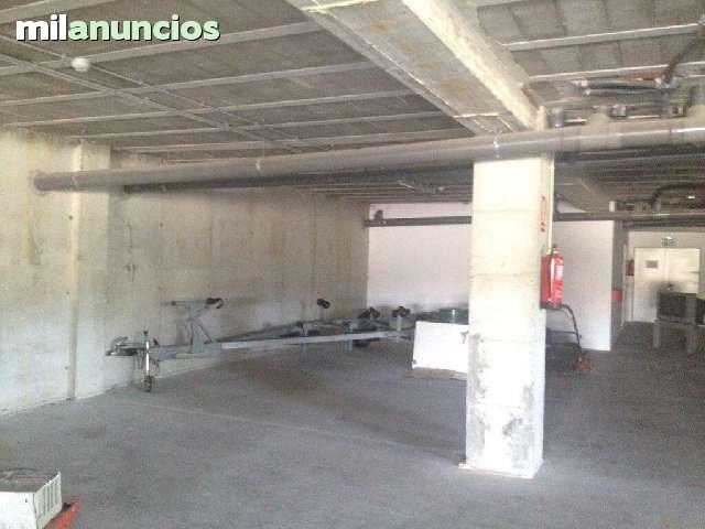 PARKING CERRADO REMOLQUES