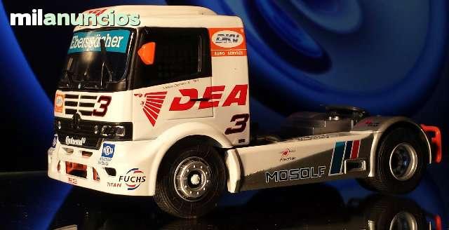 Camion Mercedes Truck Racing 2 Escala 1: