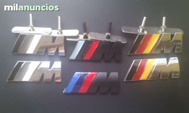 2 INSIGNIAS BMW M REJILLA TRASERO