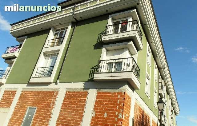 ATICO AMUEBLADO CON GARAJE Y TRASTERO - foto 3