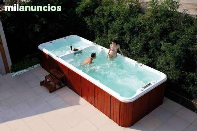 Piscina Con Jacuzzi Exterior.Piscina De Hidromasaje Swim Spa Jacuzzi
