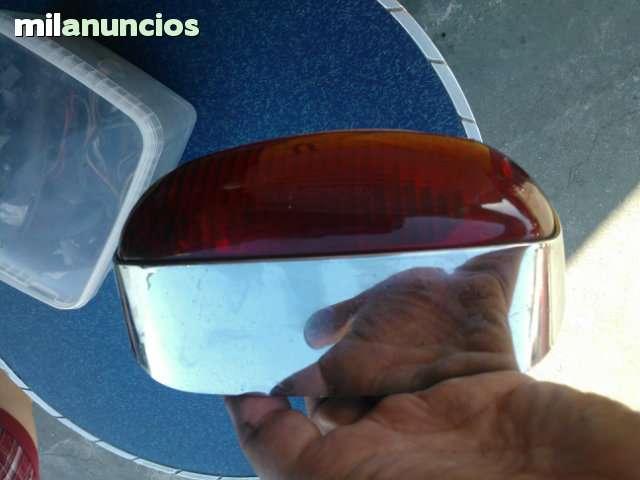 color rojo Luz trasera adaptable 6666 Compatible con RIEJU 125 TOREO//YAMAHA YQ 50 AEROX R