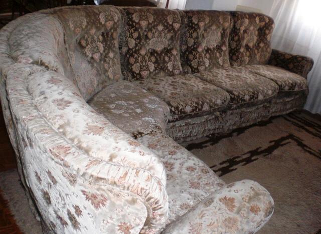 SOFÁS CON RINCONERA ( DISEÑO ÚNICO )