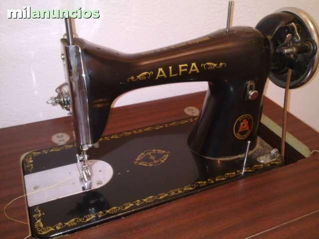 MIL ANUNCIOS.COM - Maquina de coser ALFA antigua