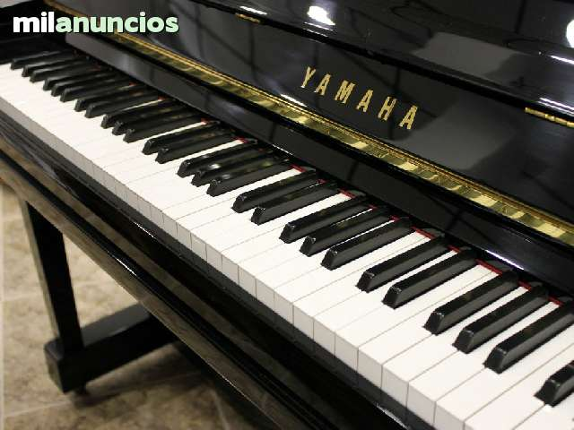 VENDO PIANO YAMAHA UX - foto 3