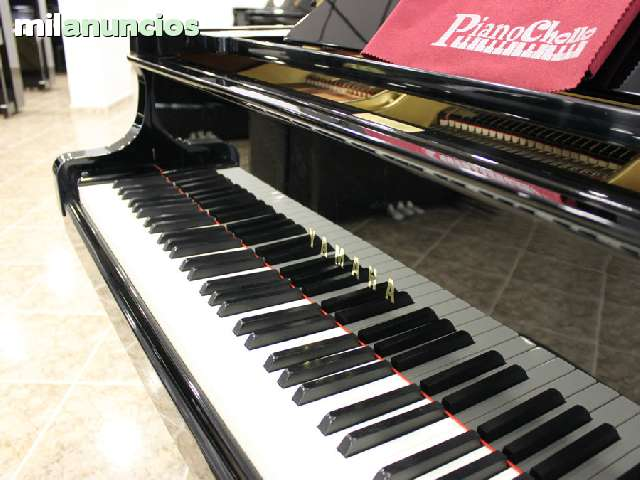 PIANO YAMAHA COLA C3  RENOVADO - foto 2
