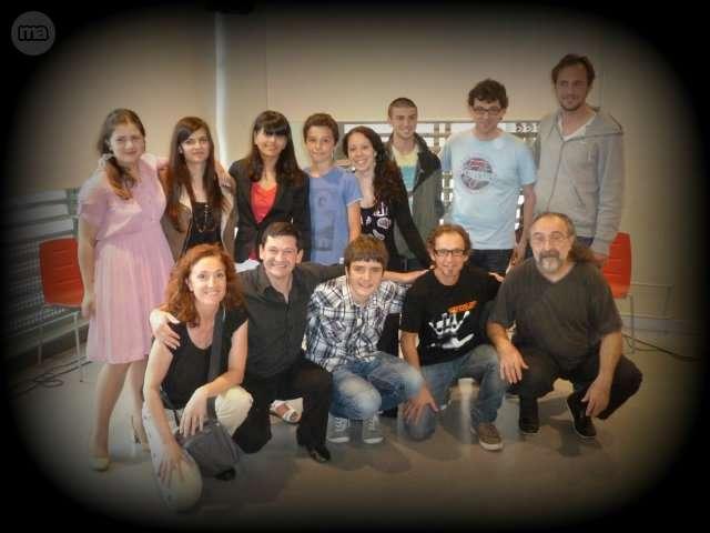 CLASES DE GUITARRA Y CANTO - foto 3