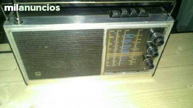 RADIO ANTIGUA PHILIPS 90 RL 412