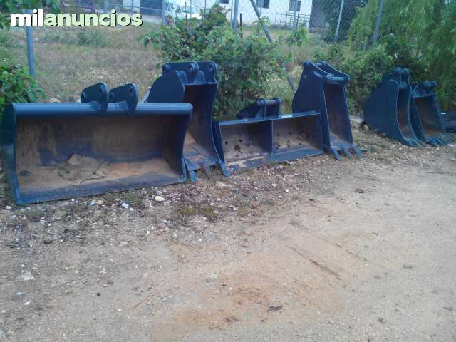 CAZOS Y ENGANCHES JCB CATERPILLARR