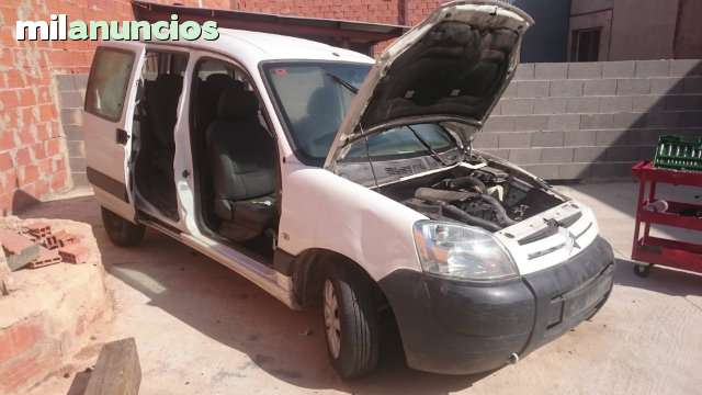 DESPIECE DE CITROEN BERLINGO 1. 6 HDI