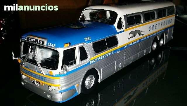Autobus Americano Greyhound 1:43