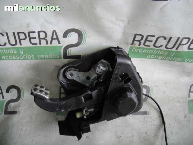 VENDO PEDAL FRENO DE MANO MERCEDES W203