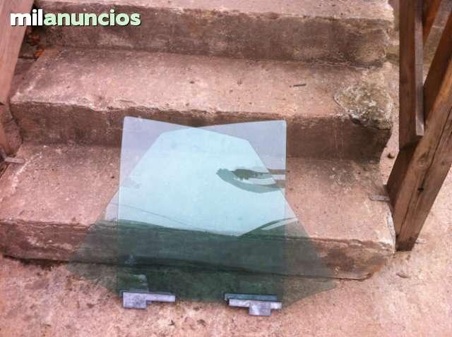 CRISTALES Y ELEVALUNAS TRASEROS VW GOLF - foto 1