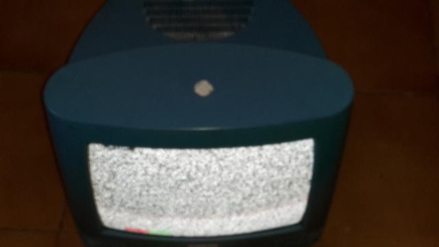 SOPORTE TELEVISOR Y UN TELEVISOR PEQUEÑO - foto 7