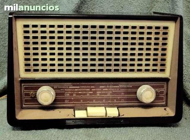 VENDO ANTIGUA RADIO PHILIPS AÑOS 50-60